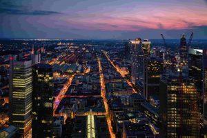photo-of-city-skyline-during-dusk-min